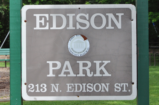 edison park arlington county sign
