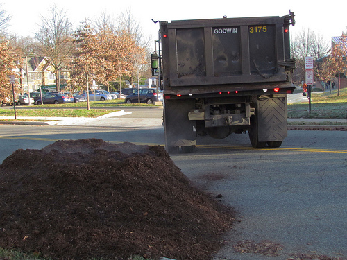 Mulch & Dirt - Trash & Recycling